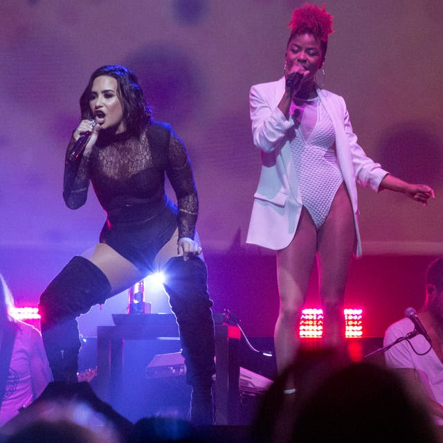 Gallery | Demi Lovato and Nick Jonas perform in Louisville